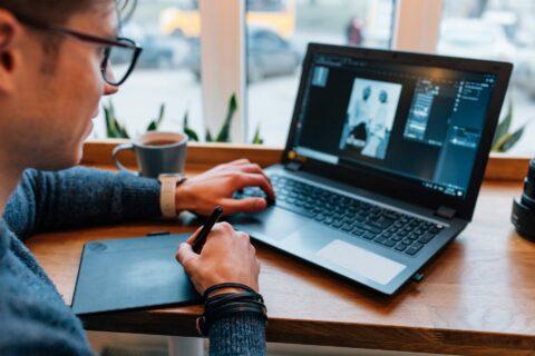 Membuat Brosur Digital Menggunakan Aplikasi Canva